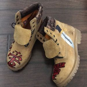 Custom painted timberland boots 8m